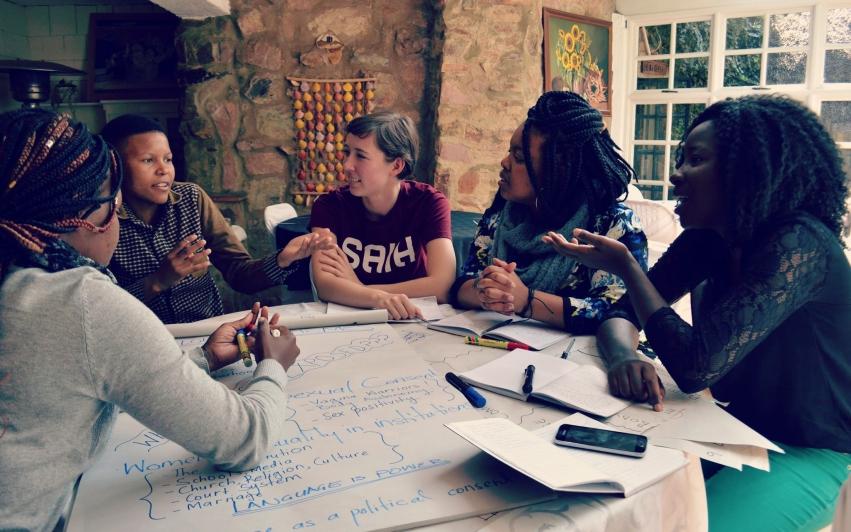 Interessert i å arbeide for kvinners rettigheter og likestilling?