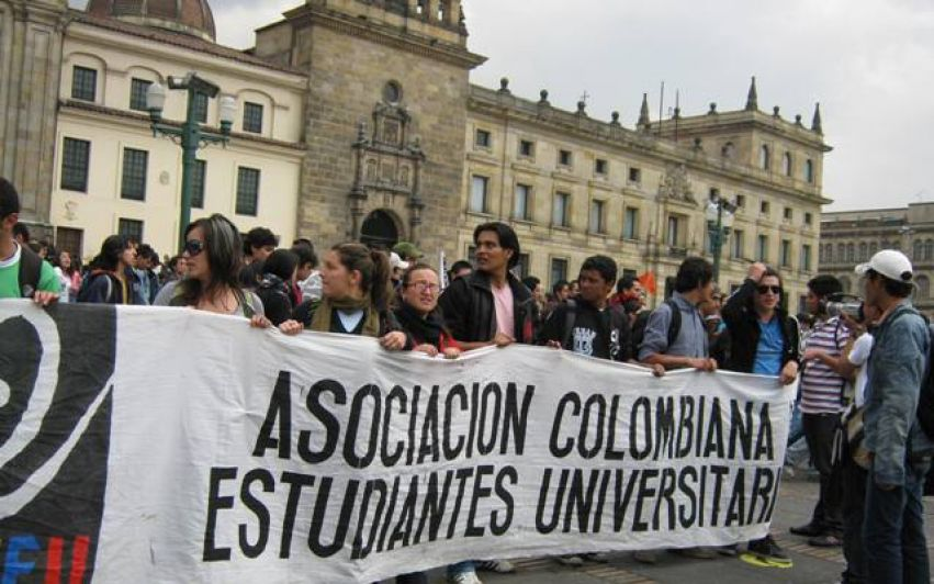 Studenter i Colombia under angrep