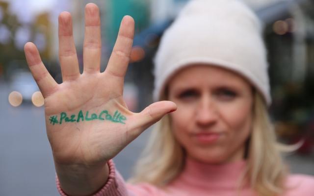 Viser støtte til fred i Colombia