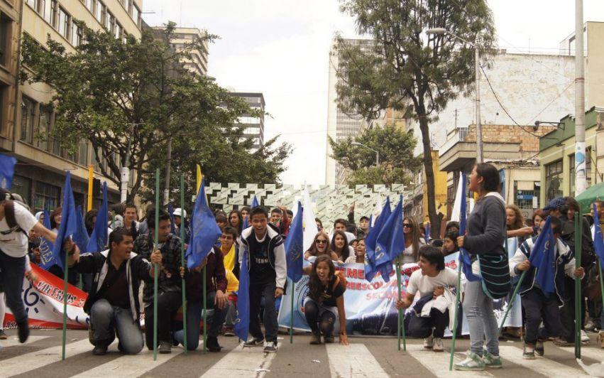 Fredsprosessen i Colombia: Fremskritt med forbehold