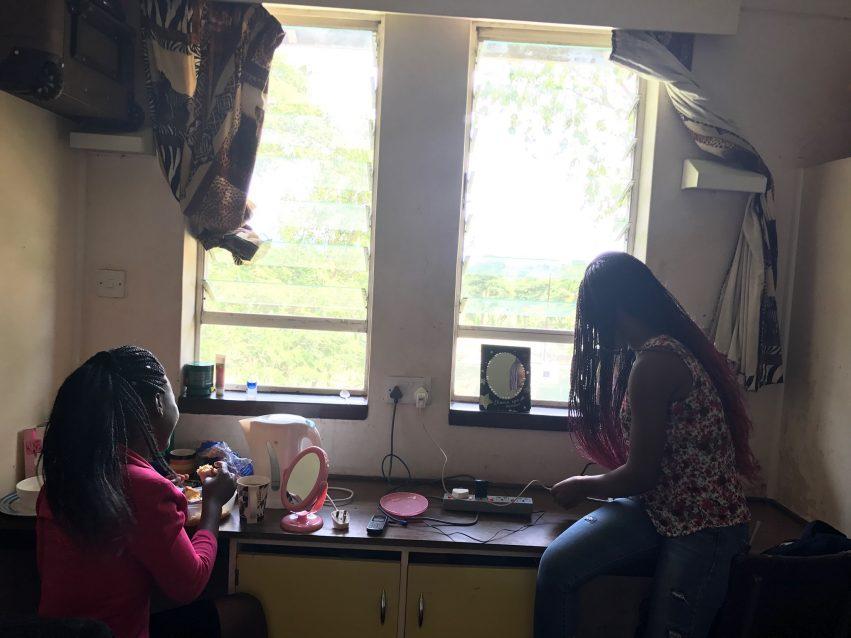Zimbabwe Cut Studentbolig Mitchelle Melody Martha Og Sheedhoshee
