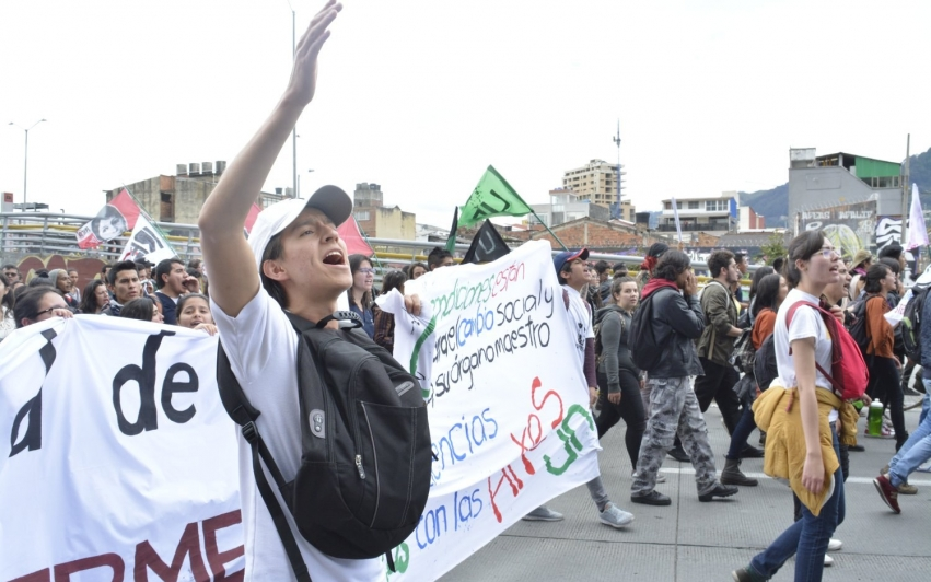 Studenter i Colombia krever høyere utdanning