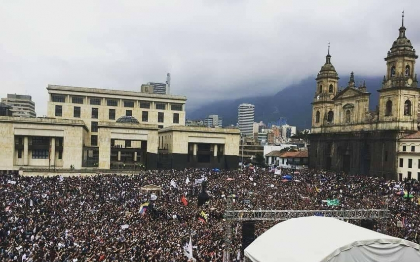 Massive studentstreiker i Colombia